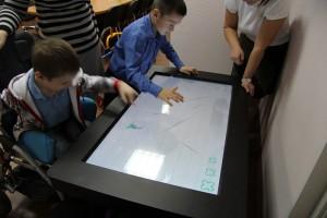 интерактивны стол